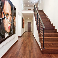 Contemporary Hall by MKL Construction Corp.