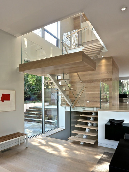 Glass enclosed staircase ideas pictures remodel and decor for Enclosed staircase design