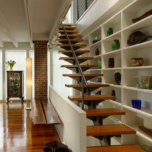 Foto på en funkis rak trappa
