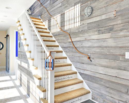 photos et id es d co d 39 escaliers avec des contremarches en bois peint et des marches en moquette. Black Bedroom Furniture Sets. Home Design Ideas