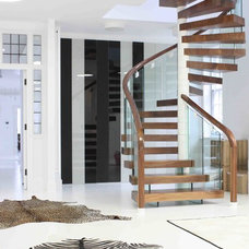 Contemporary Staircase by T-Space Design & Build