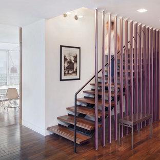 Удачное сочетание для дизайна помещения: прямая лестница в современном стиле с деревянными ступенями без подступенок - самое интересное для вас