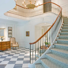 Traditional Staircase by J Wilson Fuqua & Assoc. Architects
