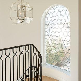 Новые идеи обустройства дома: лестница в средиземноморском стиле