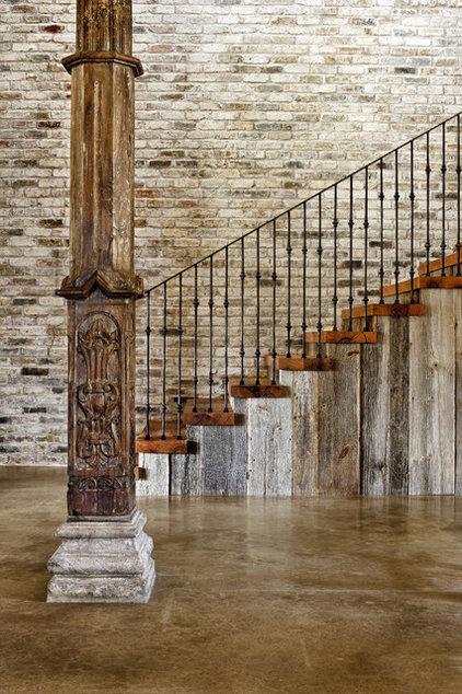 Modern Staircase by JAUREGUI Architecture Interiors Construction