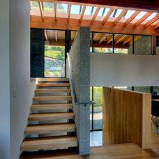 Modern Staircase by Renzo J Nakata Architects