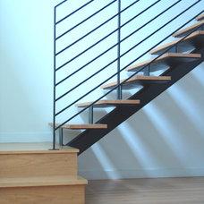 Modern Staircase by Steve Zagorski, Architect