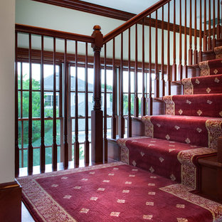 Diseño de escalera tradicional extra grande