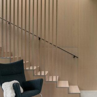 Diseño de escalera madera, minimalista, con escalones de madera, contrahuellas de madera y madera