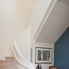 Contemporary Staircase by Collaborative Designworks