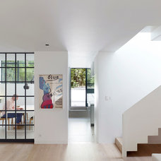 Contemporary Hall by Stiff and Trevillion