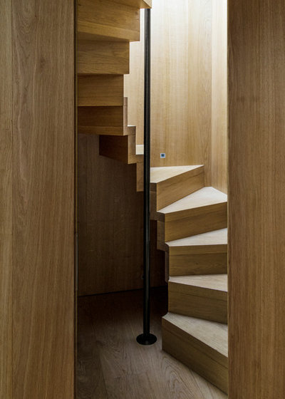Contemporary Staircase by Peter Feeny Architects