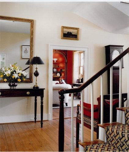 Traditional Staircase by Sroka Design, Inc.