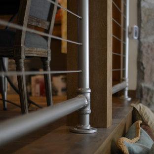 ソルトレイクシティの中サイズのコンテンポラリースタイルのおしゃれな階段の写真