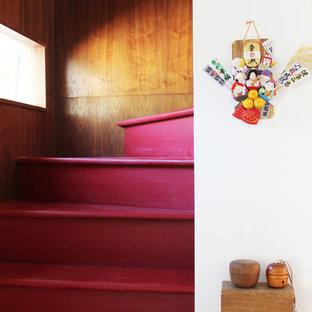 ロサンゼルスのアジアンスタイルのおしゃれな階段の写真