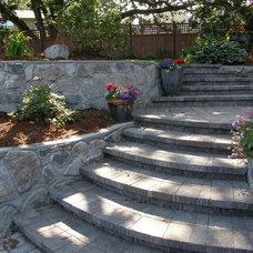 Contemporary Staircase by Garden Culture Victoria