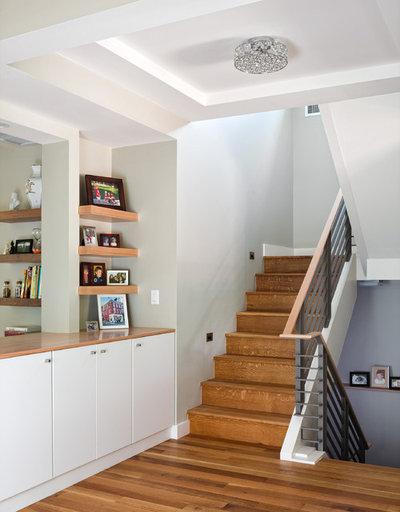 Contemporain Escalier by Melton Design Build