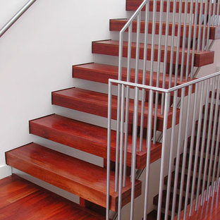 Example of a minimalist staircase design in San Francisco