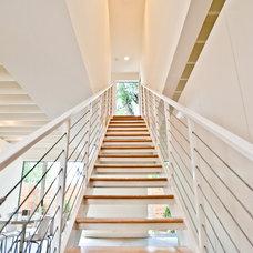 Modern Staircase by NIMMO American Studio For Progressive Architecture