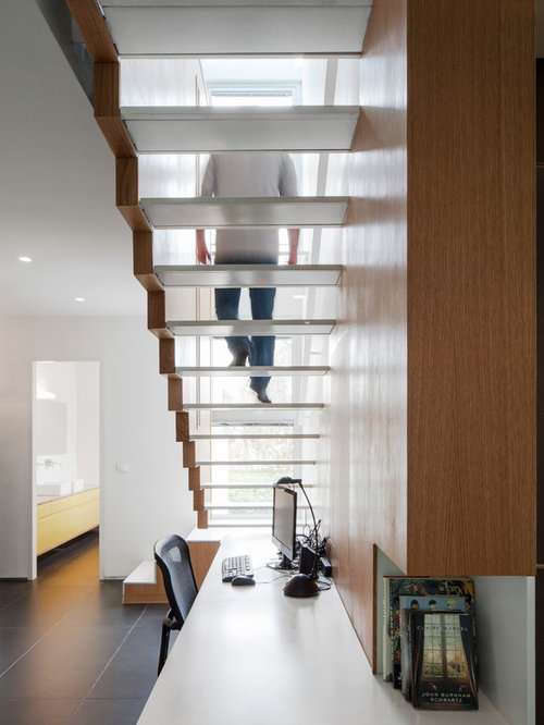 Desk under stairs houzz - Bureau sous escalier ...