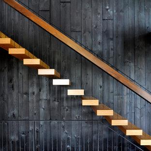 シアトルのコンテンポラリースタイルのおしゃれな階段の写真