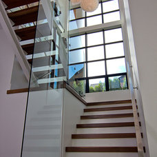 Contemporary Staircase by Wilson & Company Ltd