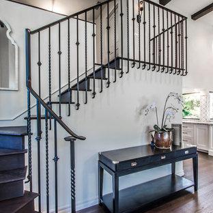 На фото: лестницы в средиземноморском стиле