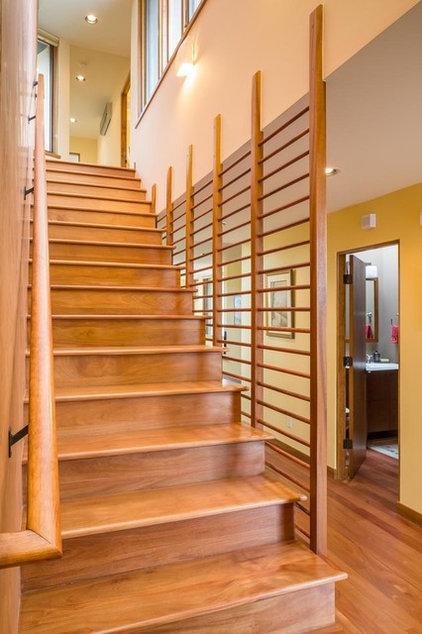 Southwestern Staircase by Studio Ectypos