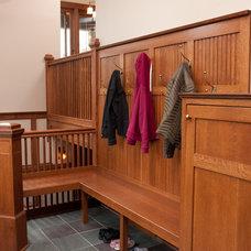 Craftsman Staircase by Briggs Design Associates, Inc.