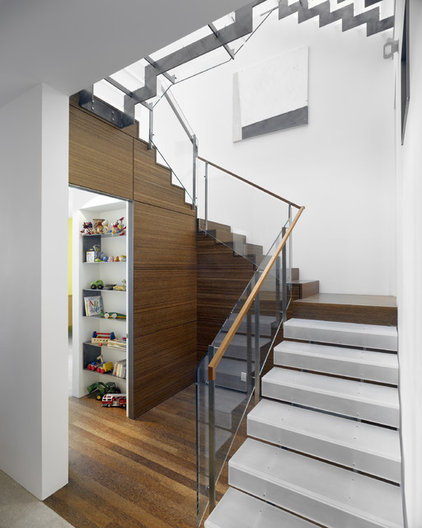 modern staircase by Zack|de Vito Architecture + Construction