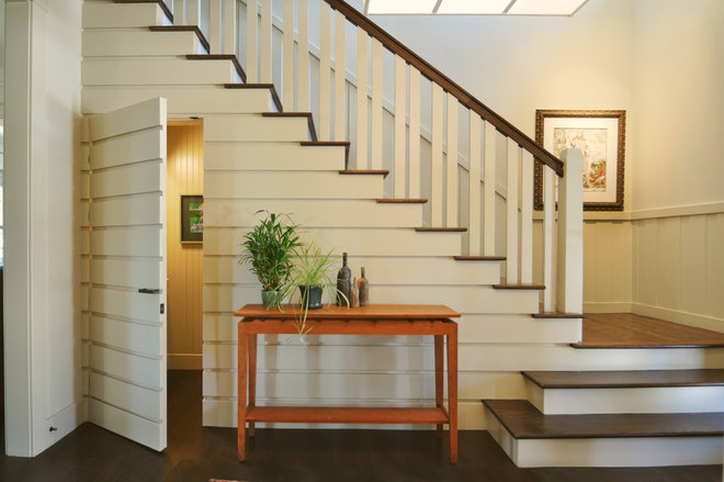 Traditional Staircase by Alchemy Design Studio