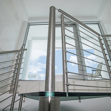 Laminated Glass Landing with Stainless Steel Railings