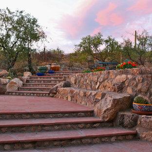 Inspiration pour un petit escalier droit sud-ouest américain.