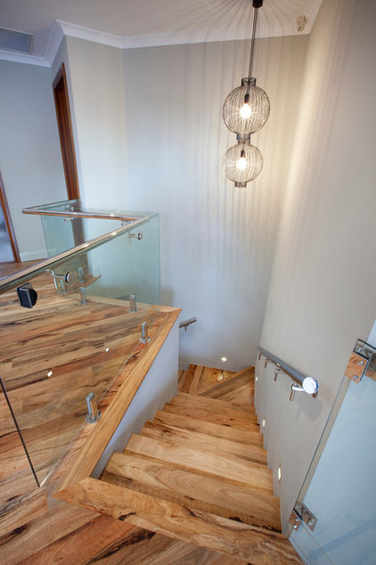 Contemporary Staircase by Nulook Homes