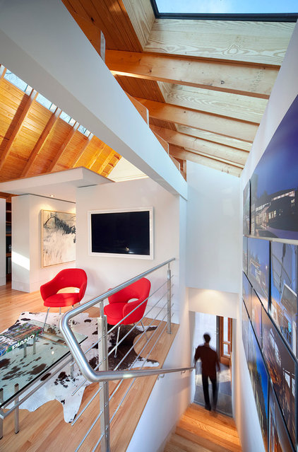 Contemporary Staircase by Dan Huffman Architecture