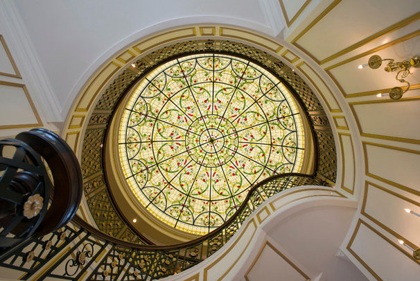 Traditional Staircase by Solarium Design Group Ltd.
