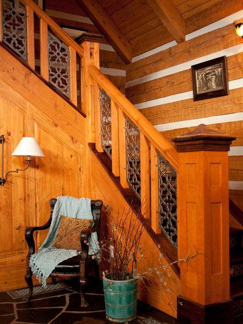 imagen de escalera en l rstica grande con escalones de madera y