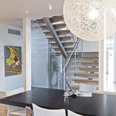 Modern Staircase by Linebox Studio