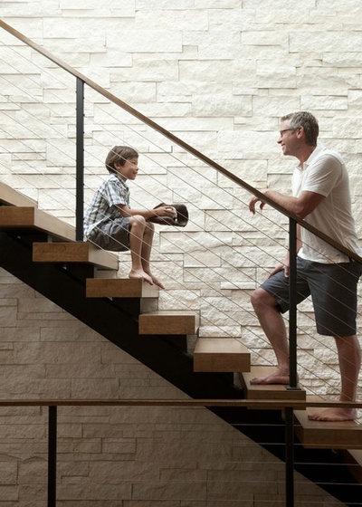 Современный Лестница by Andrea Swan - Swan Architecture