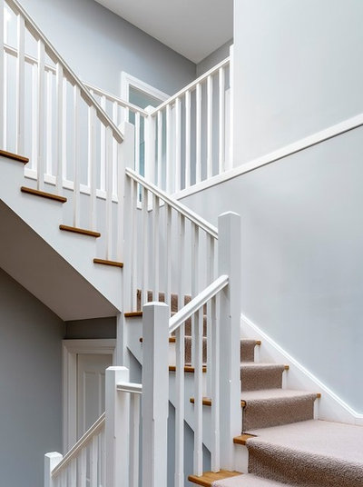 Traditional Staircase by Michael Bell Architects Pty Ltd