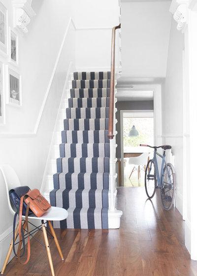 Klassisch modern Treppen by Roger Oates Design