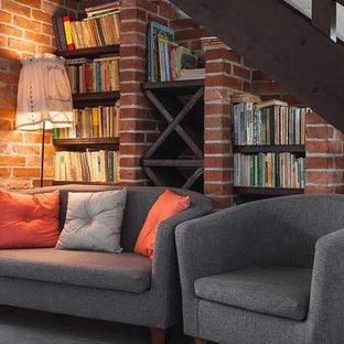 ダラスのサンタフェスタイルのおしゃれな階段の写真