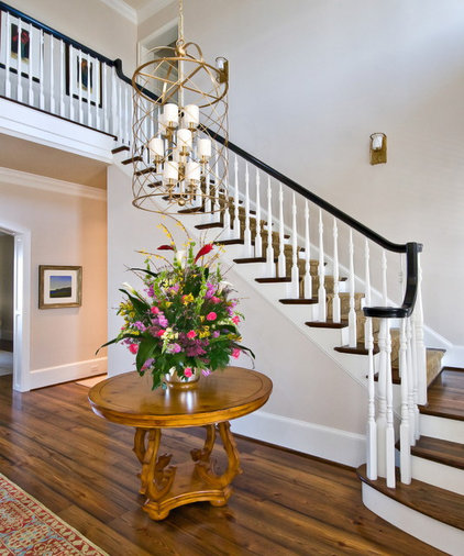 traditional staircase by LORRAINE G VALE, Allied ASID