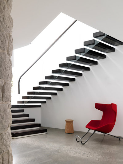 Contemporary Staircase by Luigi Rosselli Architects