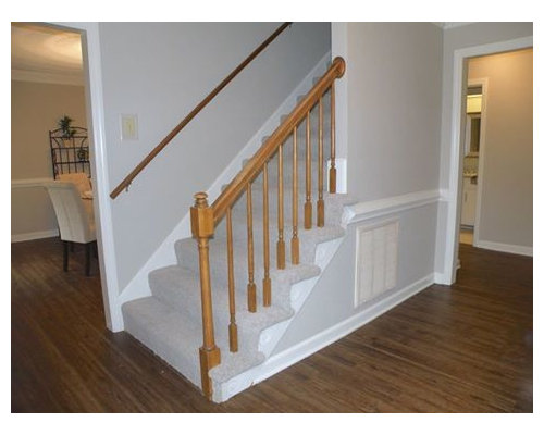 Example Of A Mid Sized Classic Carpeted Straight Staircase Design In San  Diego