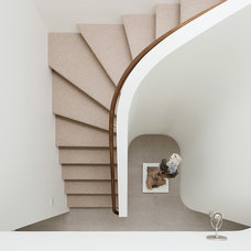 Modern Staircase by CCS ARCHITECTURE