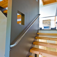 Modern Staircase by Lee Edwards - residential design
