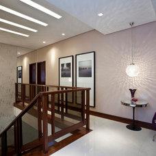 Contemporary Staircase by Vanja Maia - Arquitetura e Design de Interiores