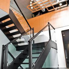 Modern Staircase by mango design co