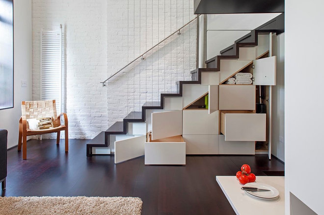 modern staircase by Specht Harpman Architects